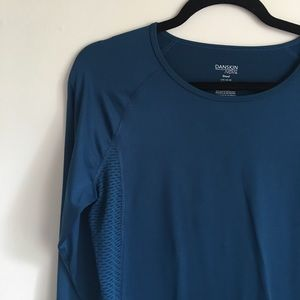 💗Danskin💗 Size Large fitted workout top